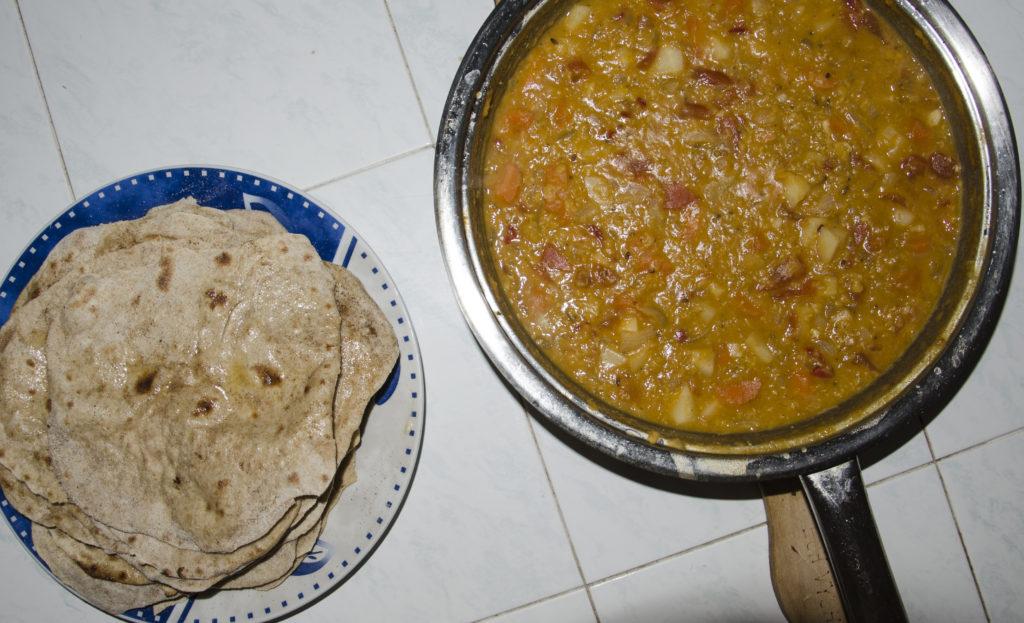 Dal a placky Chapati